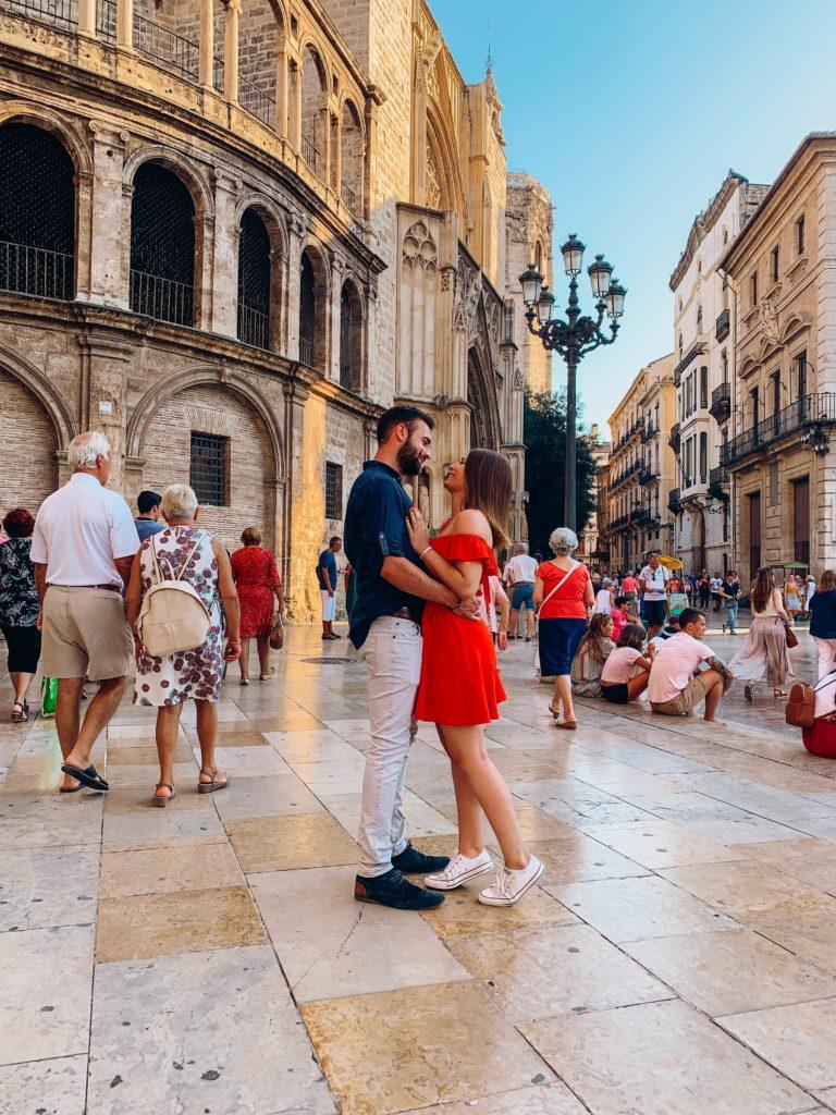 FrenchiesGlobeTrotters sur la plaza de la virgen